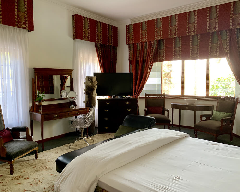 Le Must Riverfront Residence | Upington | Guesthouse | Northern Cape | Neil Stemmet | Riverfront Accommodation | Ensuite Bathrooms | Presidential Room | Renovated